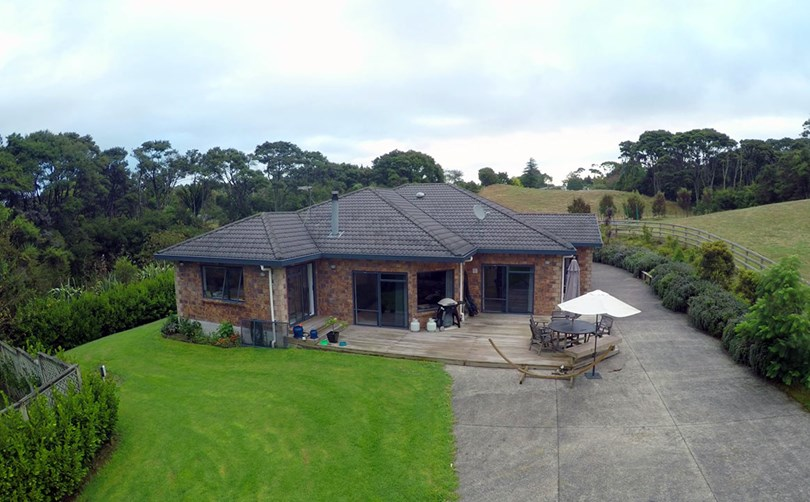 House with Retrofit double glazing and Aluminium Joinery, Auckland
